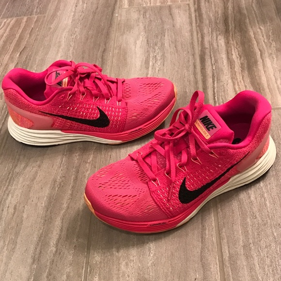 new concept 16315 6deea Women s Nike lunarglide 7 running shoes Sz 7 pink